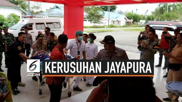 5 Aparat korban kerusuhan Jayapura dievakuasi ke Mimika. Korban luka dirawat ke RSUD Mimika dan 1 aparat TNI yang tewas diterbangkan ke kampung halaman.