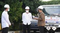 Pastikan kebutuhan oksigen terpenuhi, Presiden Joko Widodo (Jokowi) meninjau PT Aneka Gas Industri di kawasan Pulo Gadung, Jakarta Timur pada Jumat, 16 Juli 2021. (Biro Pers Sekretariat Presiden)