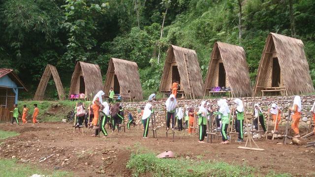 Menilik Taman Permainan Tradisional Di Lereng Gunung Slamet Banyumas Regional Liputan6 Com