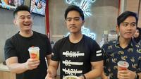 Chef Arnold bersama Kaesang Pangarep dan Gibran Rakabuming. (Liputan6.com/Pramita Tristiawati)