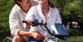 Prahara hubungan asmara Lindsay Lohan dan Egor Tarabasov sudah meredam. Akhir pekan lalu Lindsay memutuskan hubungan cinta nya dengan kekasih. (Instagram/Bintang.com)