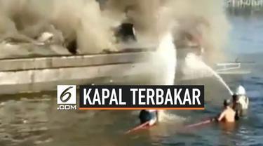 Kapal milik Dir Polair Polda Sulsel mengalami kebakaran, dan menewaskan 1 orang.