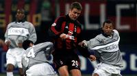 4. Oliver Bierhoff (AC Milan), raja sundulan asal Jerman ini cukup produktif di Serie A. Selain Milan dirinya juga sempat merumput di Ascoli dan Udinese. (AFP/Patrick Hertzog)