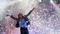 Penampilan vokalis Coldplay, Chris Martin dalam acara Rock in Rio festival musik di Rio de Janeiro, Brasil pada tanggal 2 Oktober 2011. (Felipe Dana/AP/dapd)