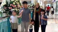 Sahrul Gunawan dan keluarga (Instagram)