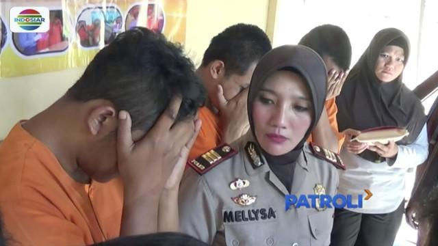 Polisi gerebek empat pengemudi taksi daring yang sedang pesta sabu di salah satu rumah pelaku.
