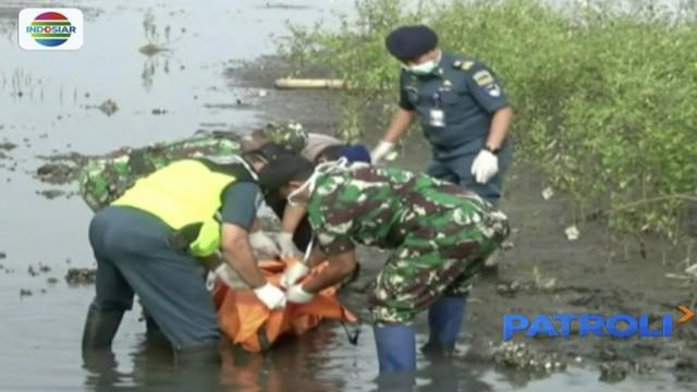 Jasad pria tanpa busana ditemukan di area hutan bakau sekitar Pelabuhan Kargo, Probolinggo, Jawa Timur.