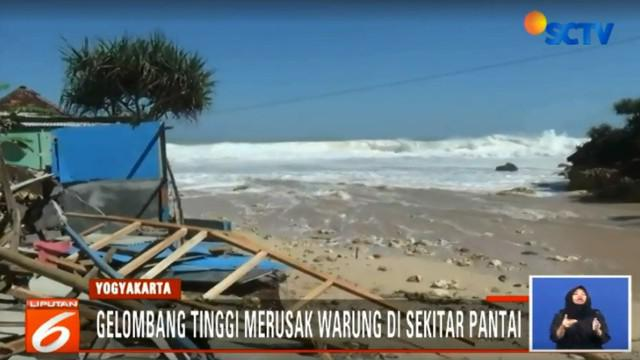 BMKG memperkirakan gelombang tinggi hingga mencapai lima meter masih akan terjadi hingga tiga hari kedepan.