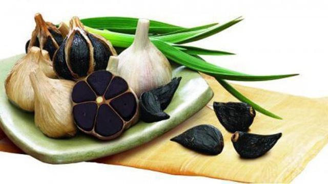049877500 1503289385 black garlic