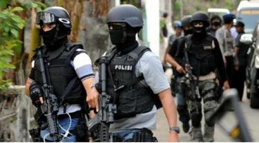 News Flash: Tim Gabungan Buru Teroris Santoso Hingga Penggunungan Gayatri