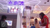 Pengunjung mendatangi stand BCA di acara Indonesia Banking Expo (IBEX) 2015 di JCC, Jakarta, Kamis (10/9/2015). Sejumlah bank menawarkan beragam fasilitas untuk menarik pengunjung menabung di tempatnya. (Liputan6.com/Angga Yuniar)