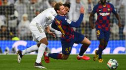 Selama berseragam Barcelona, De Jong sudah menjalani 26 pertandingan di Liga Spanyol 2019-2020. (AFP/Gabriel Bouys)