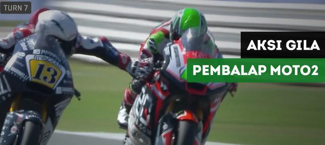 Pembalap Moto2, Romano Fenati didiskualifikasi karena menekan rem lawannya, Stefano Manzi pada MotoGP San Marino, Minggu (9/9/2018).