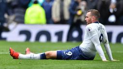 Vincent Janssen striker Tottenham Hotspur asal Belanda adalah pesepak bola pertama yang kariernya berada di persimpangan jalan. Top skorer Liga Belanda musim 2015/16 ini amat jarang dimainkan oleh Mauricio Pochettino. ( AFP/Ben Stansall )