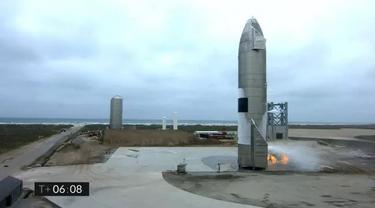 Siaran langsung SpaceX menayangkan Starship SN15 setelah berhasil mendarat di Boca Chica, Cameron Count, Texas, AS. (Photo credit: SPACEX/AFP)