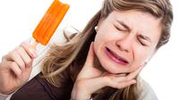Selain mengakibatkan masalah dalam bersosialisasi, rasa ngilu akibat gigi sensitif juga berdampak pada berkurangnya kualitas hidup seseorang