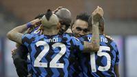 Inter Milan menang atas Spezia di Giuseppe Meazza, Minggu (20/12/2020). (AP/Luca Bruno).