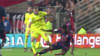 Video highlights tekel berbahaya yang dilakukan Lamine Gassana hampir mematahkan engkel Guillaume Gillet pada laga Lorient vs Nantes.
