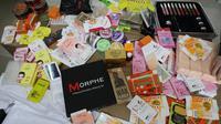 Temuan produk kosmetik ilegal yang ditemukan di empat pabrik kosmetik ilegal di Jakarta Barat. (Foto: Humas BPOM)