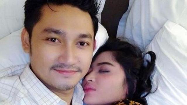 Dewi Perssik Foto Instagram