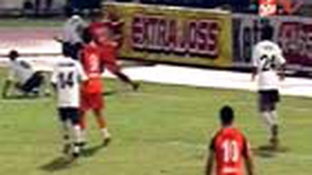 Persibo Bojonegoro merebut gelar juara Divisi Utama Liga Indonesia lewat kemenangan 3-1 melalui babak adu penalti melawan Deltras Sidoarjo dalam partai grand final di Stadion Manahan, Solo.