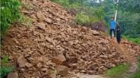 Longsor melanda sejumlah daerah di Kabupaten Solok Sumatera Barat. (Liputan6.com/ Novia Harlina)