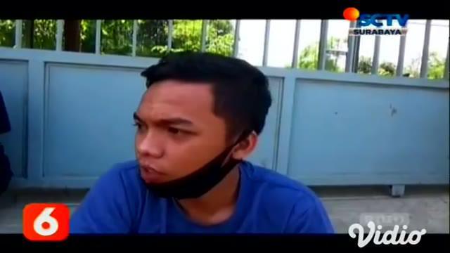 Diduga akibat korsleting listrik sebuah pabrik pengolahan daging ayam di Mojowarno, Jombang, Jawa Timur, hangus terbakar. Api diperkirakan muncul dari ruang mesin membakar seluruh isi pabrik. Tak ada korban jiwa.