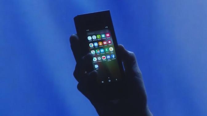 Smartphone layar lipat Samsung. (Doc: Samsung)