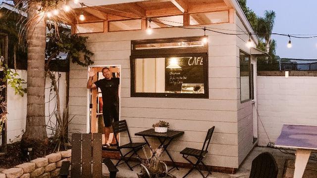 Pria Amerika Bangun Kafe Mini Di Halaman Rumah Gara Gara Tak Bisa Ngopi Di Kedai Lifestyle Liputan6 Com