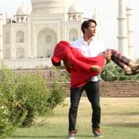 Romantisnya Shaheer Sheikh Saat Gendong Nabila Syakieb. Foto: Instagram