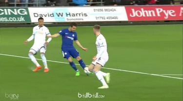 Berita video Chelsea menang 1-0 atas Swansea City dalam lanjutan Premier League 2017-2018. This video presented by BallBall.