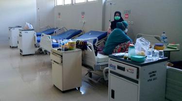 Ruang isolasi yang disiapkan pihak RSUD Bahteramas Sulawesi Tenggara untuk pasien virus Corona, Rabu (29/1/2020).(Liputan6.com/Ahmad Akbar Fua)