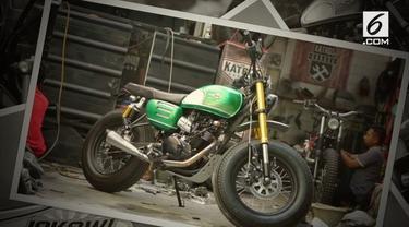 Presiden Jokowi menambah koleksi motor modifikasi miliknya dengan sebuah kendaraan roda dua hasil garapan Katros Garage.