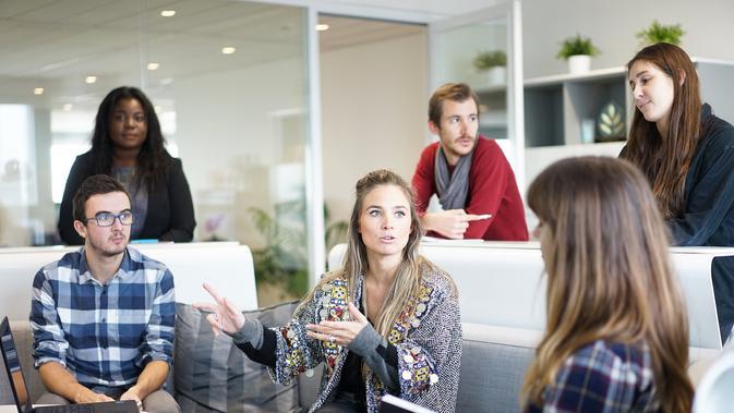 Rekan kerja di kantor (Sumber: Pixabay)#source%3Dgooglier%2Ecom#https%3A%2F%2Fgooglier%2Ecom%2Fpage%2F%2F10000