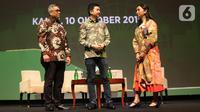 CEO & Co-Founder Tokopedia, William Tanuwijaya, Wakil Direktur LPEM FEB UI, Kiki Verico, Pendiri Smitten by Pattern, Laras Anggraini usai berdiskusi mengenai Tokopedia kepada media di Jakarta, Kamis (10/10/2019). (Liputan6.com/Angga Yuniar)