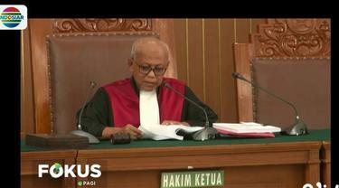 Dalam amar putusannya, hakim Achmad Guntur menolak seluruh gugatan yang diajukan pihak pemohon.