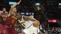Cleveland Cavaliers harus menyerah 91-110 dari Denver Nuggets dalam lanjutan kompetisi NBA (2/11/2018) (Foto: Tony Dejak/AFP)