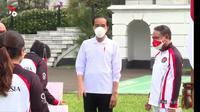 Presiden Jokowi memberikan hadiah dan bonus untuk para atlet Olimpiade Tokyo 2020 di Istana Bogor. (Istimewa)
