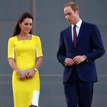 Kate Middleton dan Pangeran William saat berada di Opera House, Sydney, Australia pada 16 April 2014. (SAEED KHAN / AFP)