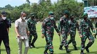 Pangkostrad Letjen TNI Eko Margiono bersama Panglima Koopsgabsus Tricakti Mayjen TNI Richard TH Tambulon di Poso. (Foto: Istimewa).