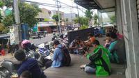 Warung makan gratis untuk semua orang di Surabaya, Jawa Timur. (Foto: Liputan6.com/Dian Kurniawan)