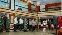 Kapolri Jenderal Listyo Sigit Prabowo saat memimpin rapat dengan Panglima TNI Marsekal Hadi Tjahjanto bersama Forkopimda Medan, Sabtu (14/8/2021)