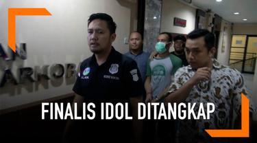 Salah satu finalis ajang pencarian bakat ditangkap polisi karena kepemilikan narkoba.
