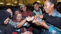 Seperti apa acara berebut air bertuah untuk jamasan Pusaka Mangkunegaran?