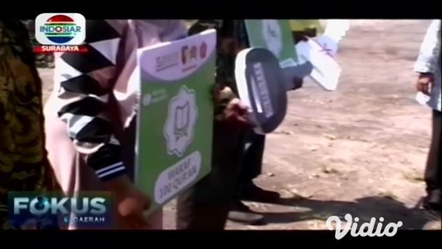 Pelaksanaan Tentara Manunggal Membangun Desa ke-106 secara resmi dibuka oleh Gubernur Jawa Timur, Khofifah Indar Parawansa yang berharap setiap kegiatan TMMD bisa digunakan untuk pendekatan kepada masyarakat dalam membangun berbagai sarana fisik maup...