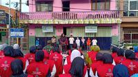 Pemerintah Kota (Pemkot) Surabaya melalui Dinas Kesehatan (Dinkes) menggelar Gebyar Pemberantas Sarang Nyamuk (PSN) secara serentak di seluruh kecamatan se-Surabaya (Liputan6.com/ Dian Kurniawan)