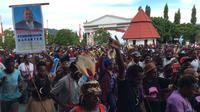 Aksi Bela Lukas Enembe di Kantor Gubernur Papua