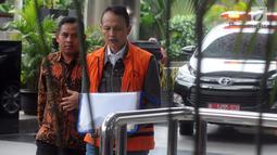 Direktur Teknologi dan Produksi PT Krakatau Steel, Wisnu Kuncoro akan menjalani pemeriksaan lanjutan di Gedung KPK, Jakarta, Rabu (24/4). Penyidik mengahdirkan empat tersangka terkait kasus dugaan suap proyek pengadaan barang dan jasa di PT Krakatau Steel Tbk. (merdeka.com/Dwi Narwoko)
