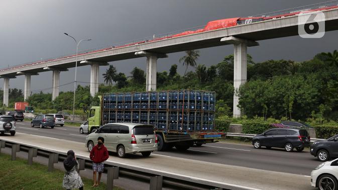 ADHI 6 Pernyataan Adhi Karya dan PT INKA Usai LRT Tabrakan di Cibubur Jakarta Timur - News Liputan6.com