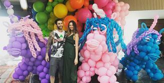 Behati Prinsloo, istri dari Adam Levine kini tengah berbadan dua. Seperti ibu-ibu hamil pada umumnya, ia pun juga memiliki berbagai permintaan, atau dalam istilah bahasa Indonesia disebut 'ngidam'. (Instagram/behatiprinsloo)